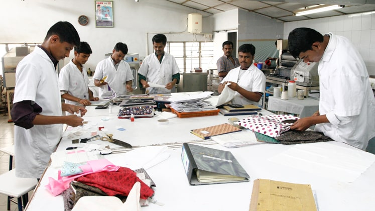 'Fight' over textile industry! After Patna V/S Punjab, now Tamil Nadu & Andhra Pradesh are at loggerheads!