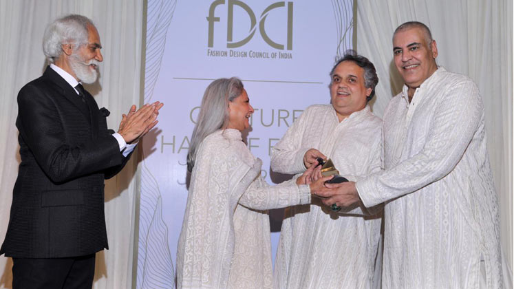 Jaya Bachchan Awards Abu Jani and Sandeep Khosla