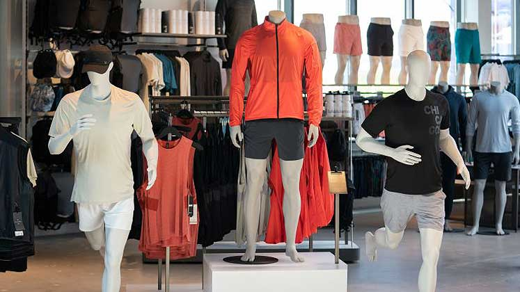 Lululemon opens its biggest store with workout studio & restaurant in Chicago