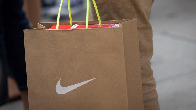 Nike to increase dividend payout